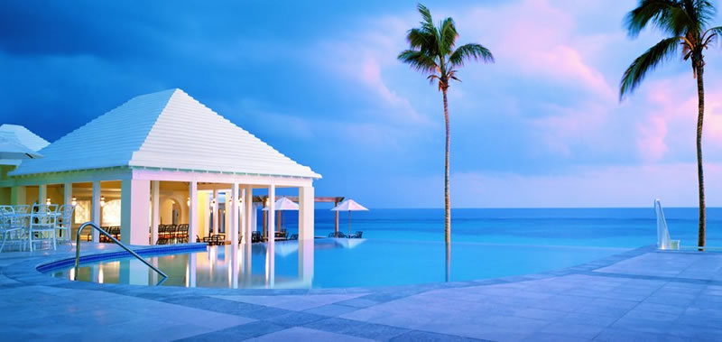 PerfectHoneymoons.com - Bermuda - Poolside at Rosewood Tuckers point